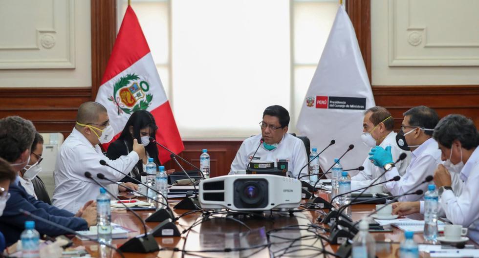 Durante su campaña, Castillo ya había adelantado que reduciría los sueldos de ministros, congresistas y altos funcionarios. (Foto: Andina)