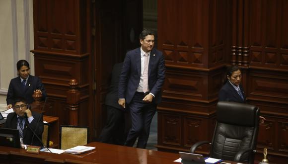 El titular del Congreso, Daniel Salaverry, se unió a integrantes de la exbancada de Unidos por la República, que tiene como portavoz alterna a Patricia Donayre. (Foto: Mario Zapata / GEC)