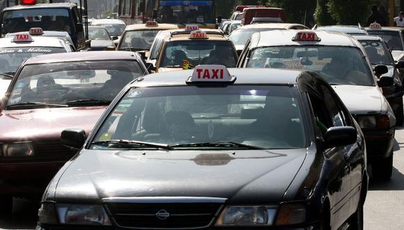 Alrededor de 200 mil taxis circulan diariamente en Lima, la mitad de los cuales son informales. (Foto: Andina)
