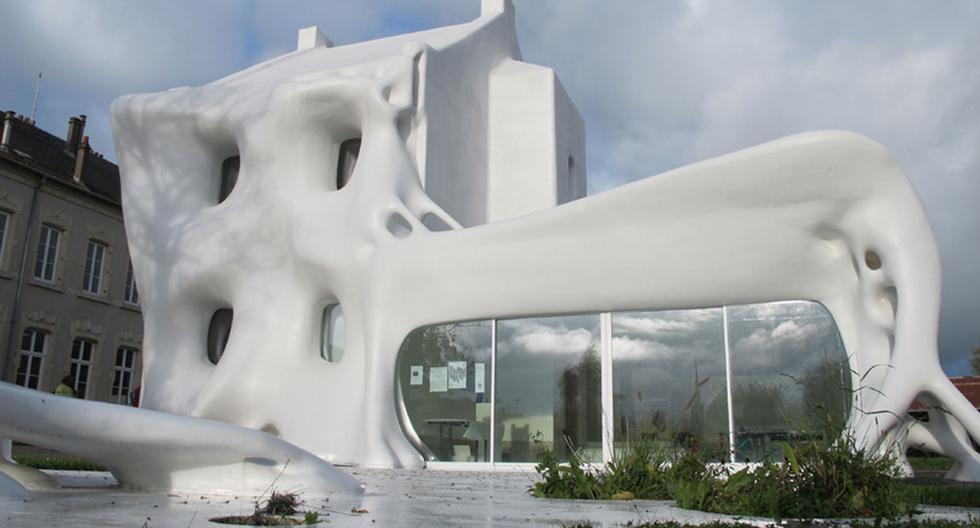 Sorprendente casa 'derretida' en Francia parece un fantasma - 1