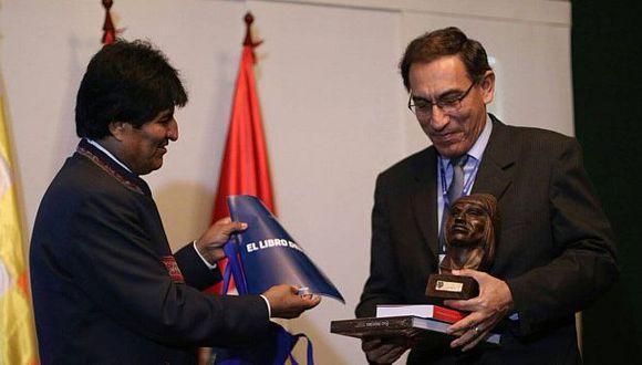 Martín Vizcarra se reunió con Evo Morales en Bolivia