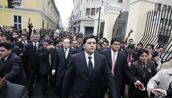 Luis Nava (izq.) fue secretario general de Palacio de Gobierno y también ministro de la Producción durante el segundo quinquenio de Alan García (2006-2011). (Foto: El Comercio)