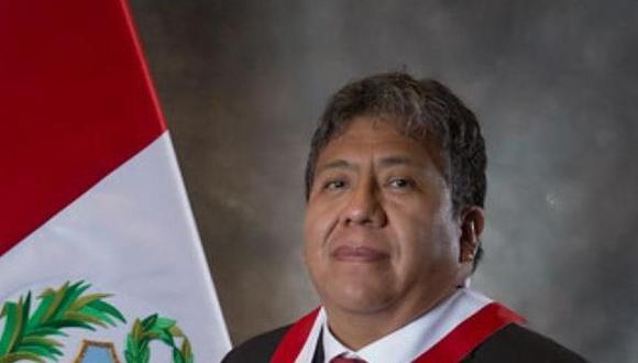 El periodista Liubomir Fernández acusó al legislador de Acción Popular de intentar darle dinero a fin de concertar una entrevista. Investigación preliminar se aprobó con 13 votos a favor. (Foto: Facebook)