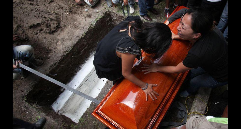 México despide a fotoperiodista asesinado y clama justicia - 1