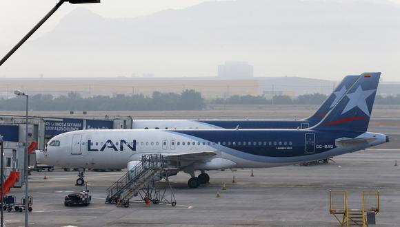 La mayor aerolínea de América Latina anunció el lunes que canceló y reprogramó cerca de 620 vuelos a partir del martes y durante una semana, logrando que el 85% de los pasajeros afectados modificaran sus vuelos.