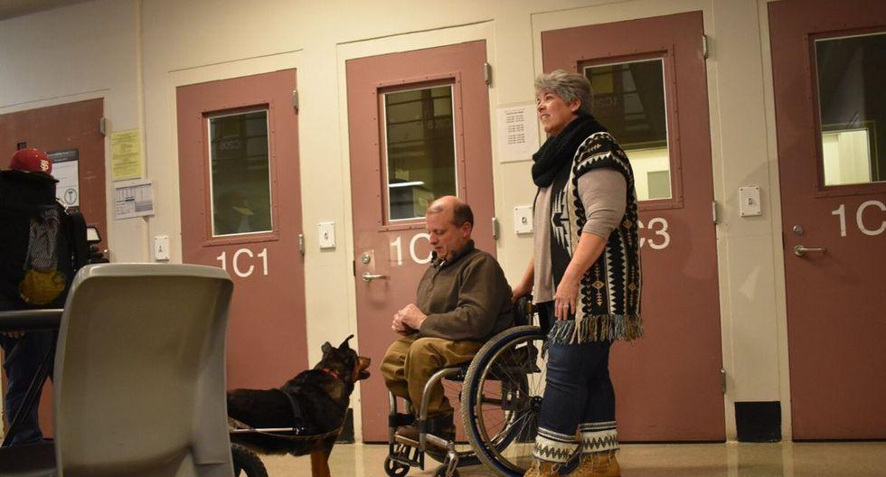 'Bandit' el perrito en silla de ruedas que adoptado y regresado cuatro veces recién consiguió una familia que lo entienda (Foto: Facebook Gwinnett Jail Dogs Program)