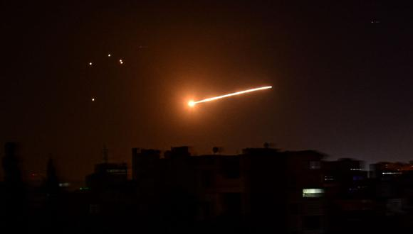 Se registran disparos de misiles atribuidos a Israel cerca de la capital de Siria, Damasco. (SANA / AFP).