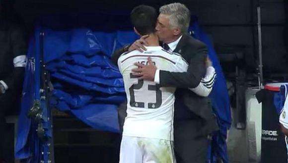 El beso de Carlo Ancelotti para felicitar el partidazo de Isco