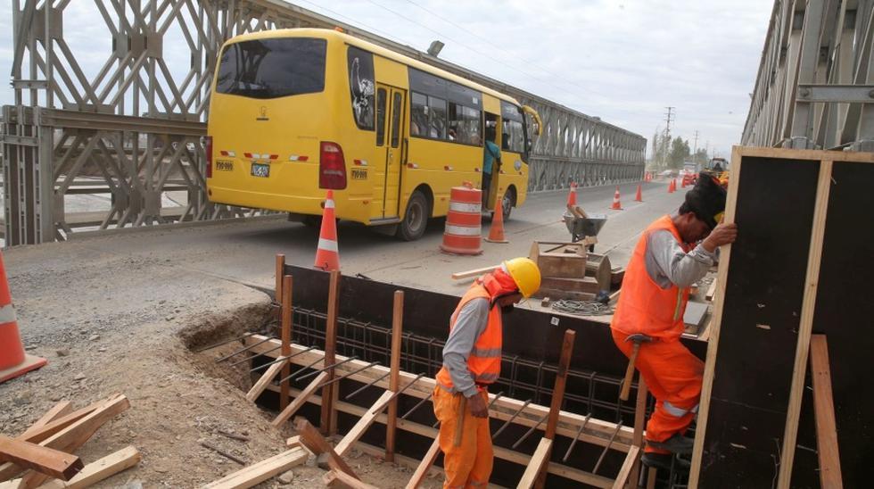 El puente modular que cruza el río Shisho, en Coishco (Áncash) es capaz de soportar vehículos de gran tonelaje y mide 51 metros de largo por 7,20 de ancho.(Foto: Andina)