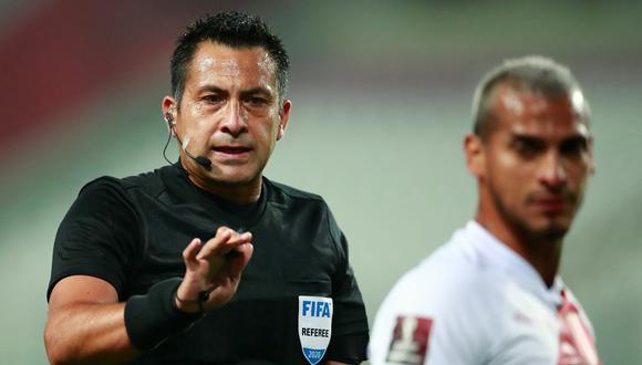 Julio Bascuñán dirigirá el VAR en el Boca-Internacional de la Copa Libertadores. (Foto: Reuters)