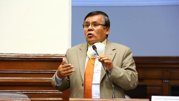 Pichilingue presentó, el pasado 13 de agosto, su proyecto de ley que proponía, entre otras cosas, que se amplíe por seis años los permisos para que circulen todas las unidades de transporte público. (Foto: Congreso de la República)