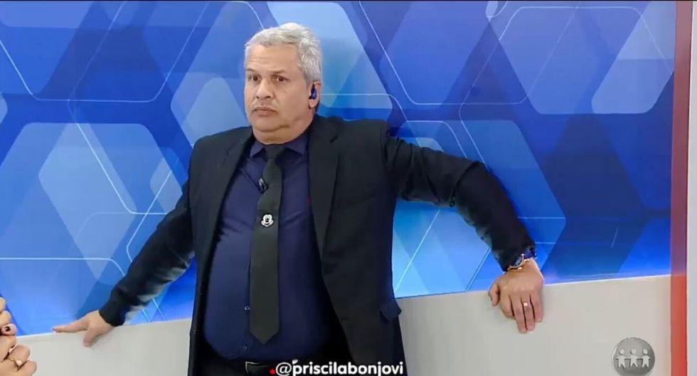 La peculiar reacción del presentador causó sensación. (Captura YouTube)