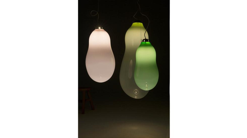 Decora con esta lámpara de vidrio que tiene forma de burbuja - 3