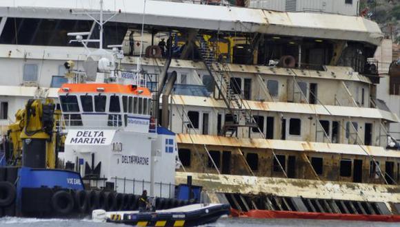 Reflotan El Costa Concordia, tras dos años de su hundimiento