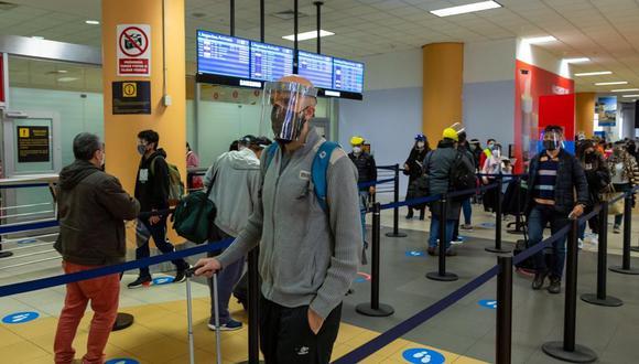 Canatur señaló que aún es baja la afluencia de los vuelos de salida para Europa y que las aerolíneas van con el 80% de ocupantes desde el pasado 15 de diciembre que se reabrió esta actividad hacia ese continente. (Foto: GEC)