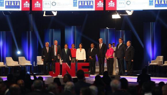 En las elecciones de 2016, solo hubo 10 candidatos presidenciales. De estos, solo Keiko Fujimori, Verónika Mendoza y Fernando Olivera vuelven a postular para los comicios de abril. (Foto: GEC)