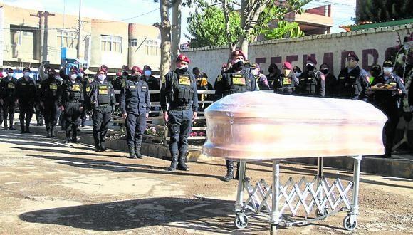 Durante el 2020 al menos 500 policías fallecieron víctimas del COVID-19. (Foto: El Comercio)