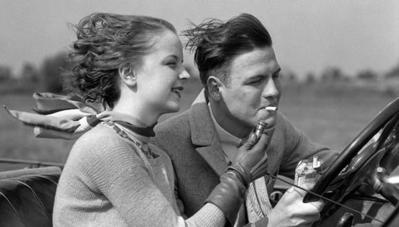 El consumo de cigarrillos en toda situación creó tendencia. (Foto: Getty Images)