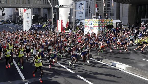 El punto de partida de la Maratón de Tokio con poco más de 200 corredores. (Foto: EFE/EPA/KIYOSHI OTA)