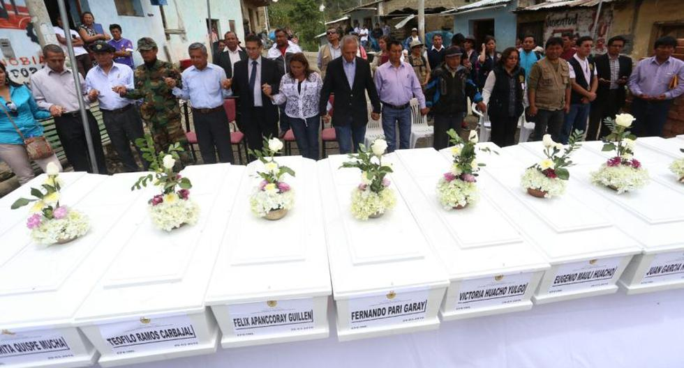 Emotivo fue el recibimiento a 40 campesinos asesinados por SL - 11