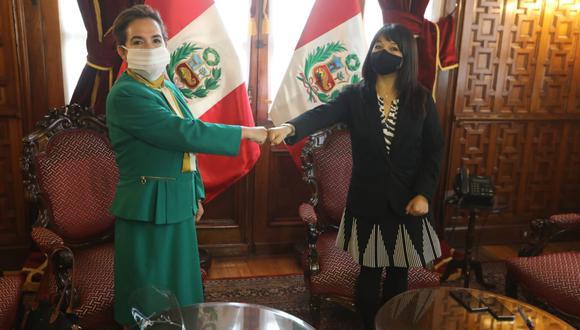 La presidenta del Congreso, Mirtha Vásquez, se reunió con la presidenta electa del Poder Judicial, Elvia Barrios. (Foto: Congreso)