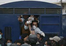 Pakistán: detienen a médicos que pedían material de protección contra el coronavirus   FOTOS