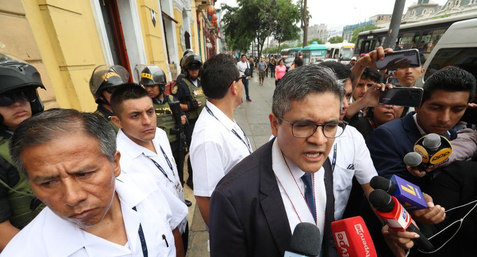 José Domingo Pérez encabezó esta mañana un allanamiento al local de Fuerza Popular por el caso Keiko Fujimori. (Foto: GEC)