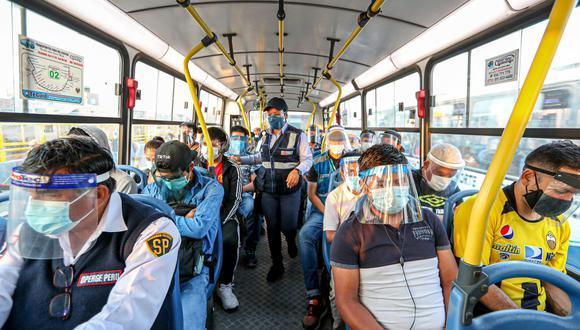 Las acciones de fiscalización de la ATU se realizan en más de 100 puntos de la ciudad con la participación de más de 1000 agentes. Foto: Andina