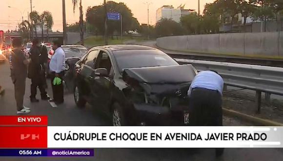 Cuádruple choque generó congestión vehicular en la avenida Javier Prado. (Captura: América Noticias)