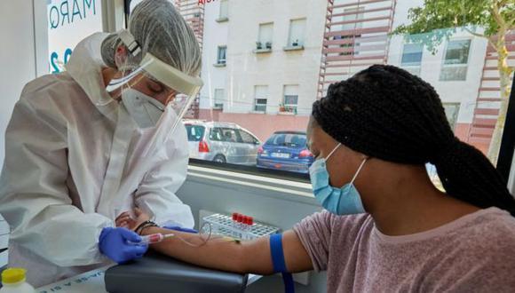 En distintas partes del mundo están investigando más de 150 medicamentos diferentes. (GETTY IMAGES)