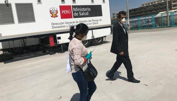 Hace más de un mes el Ministerio de Salud (MINSA) envió un hospital móvil totalmente equipado a Arequipa. Hasta la fecha este establecimiento de campaña no se usa y corre el riego de que regrese a Lima o sea derivado a otra región (Foto: Zenaida Condori).