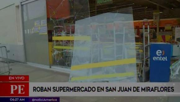 Asaltan conocido supermercado bajo la modalidad del 'combazo'. (Captura: América Noticias)