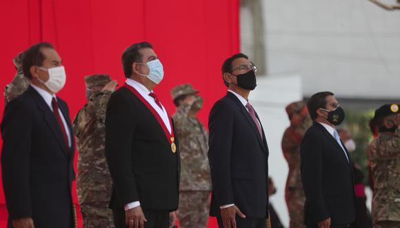 Presidente Martín Vizcarra y titular del Congreso, Manuel Merino, participaron en ceremonia por las Fuerzas Armadas (Presidencia)
