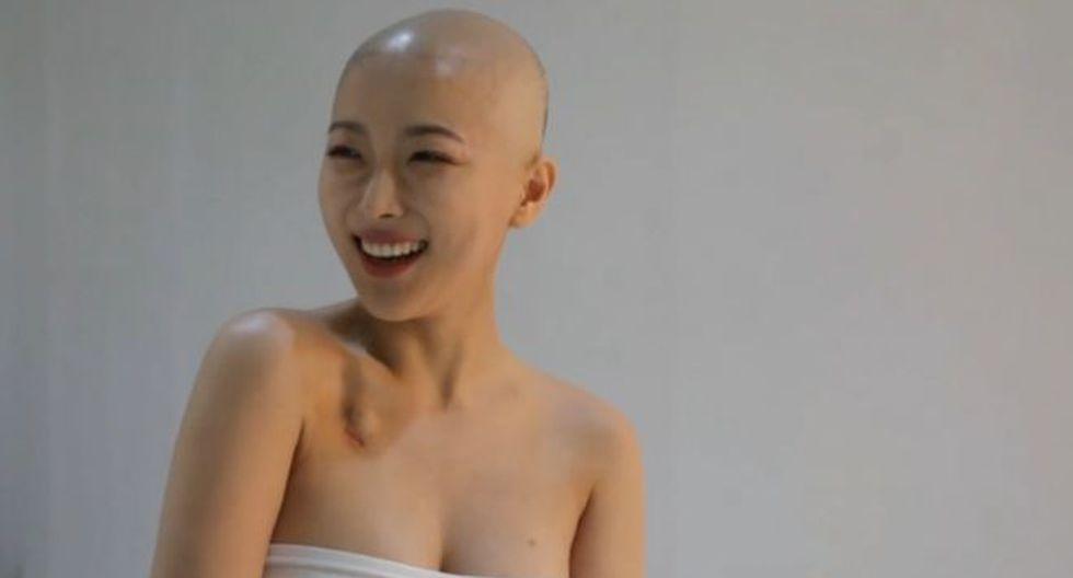 Dawn Lee es una youtuber de belleza a quien diagnosticaron linfoma en febrero. (Captura de pantalla)