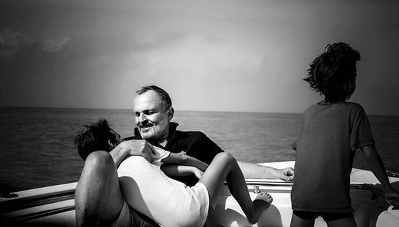 Miguel Bosé con sus hijos. (Foto: Instagram)