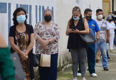 Guayaquil vota con precaución en medio de un repunte de muertes por coronavirus