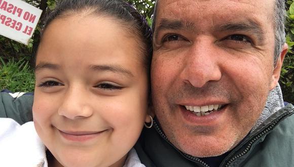 'Pacho' Cantt perdió la vista a los 30 años como consecuencia de una enfermedad llamada retinosis pigmentosa. Eso no ha sido impedimento para que críe a su hija María Alejandra ni que continúe a la cabeza de su negocio. (Foto: Archivo Familiar)