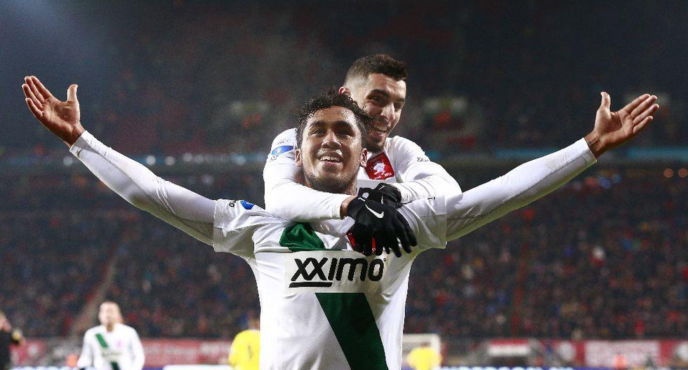 Renato Tapia acapara la atención con su gol en el FC Twente - 8