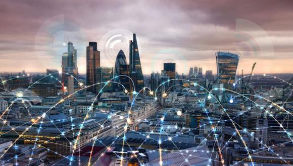 Algunos expertos opinan que para que la conectividad a través de la luz sea una solución factible para el 5G, debe estar instalada de forma generalizada en ciudades y dispositivos. (Foto: Getty Images)