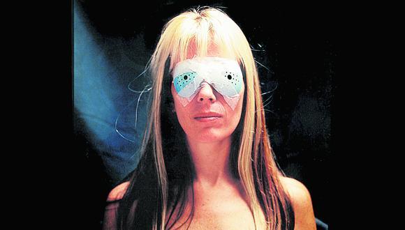 """""""Punto ciego"""" (1997). Esta imagen nació a partir de una cirugía láser, a la cual la artista se sometió para corregir su miopía"""