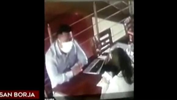 El ladrón provechó para concretar el hurto al momento de enviar a sacar copias a la agraviada. (Foto: captura de TV)