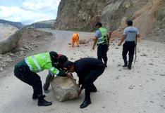 Sismo ocurrido esta tarde afectó locales y causó derrumbes en Huancavelica