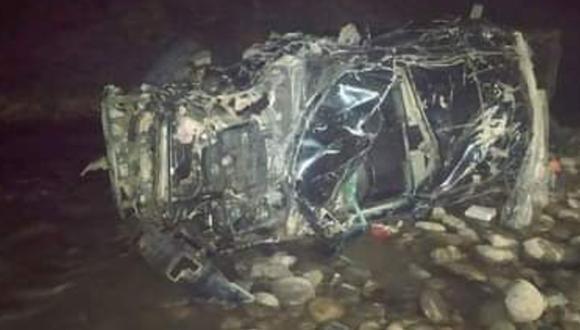 Arequipa: Dos mineros murieron al caer camioneta en la que viajaban a un abismo de 100 metros. Otros tres trabajadores resultaron gravemente heridos.