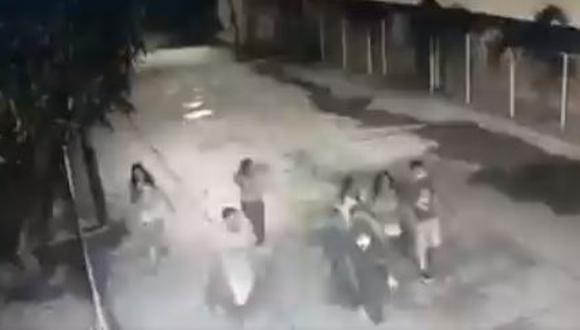 El grupo de amigos salía de una fiesta con rumbo a sus viviendas. (Foto: captura de pantalla)