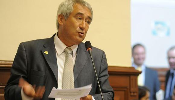 Comisión Orellana cita al congresista fujimorista José Elías