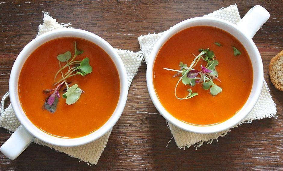 Las sopas con alimentos como la zanahorias son excelentes para combatir el frío. (Foto: Pixabay)