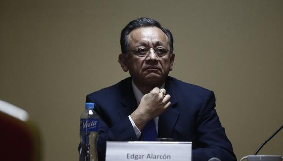 En julio del 2017, la Comisión Permanente del Congreso aprobó la destitución de Edgar Alarcón del cargo de contralor. (Foto: GEC)