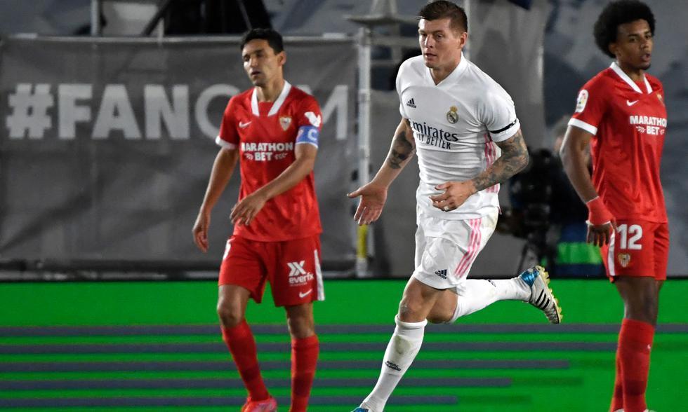 Real Madrid empató 2-2 ante Sevilla y no alcanzó la punta de LaLiga Santander | Foto: AFP