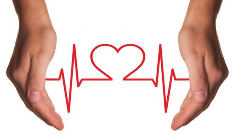 En los ataques cardíacos el corazón sigue latiendo, pero el flujo sanguíneo hacia el órgano se encuentra bloqueado. (Foto InspiredImages en Pixabay / Bajo licencia Creative Commons)