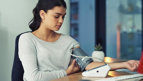 Omron, la marca japonesa líder en monitores de presión, lanza aplicación OMRON connect que te permite llevar un control de la presión arterial en el hogar.